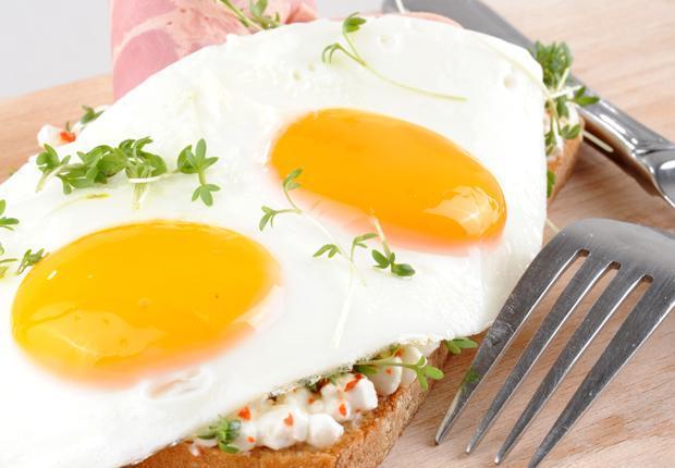 Wie viele Kalorien im Ei und wie man sie benutzt